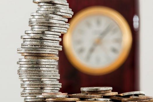 Odsetki za opóźnienie w spełnieniu świadczenia pieniężnego, kapitalizacja (procent składany) i przedawnienie