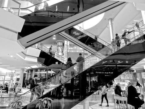 Rękojmia  i reklamacja w umowie sprzedaży: naprawienie szkody, odszkodowanie, wymiana, odstąpienie i obniżenie ceny