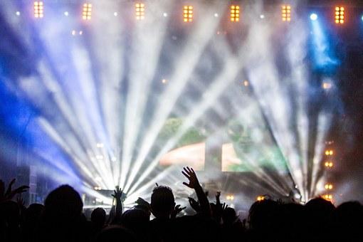 Odpowiedzialność i odszkodowanie za szkodę w związku imprezą masową (koncert, mecz)