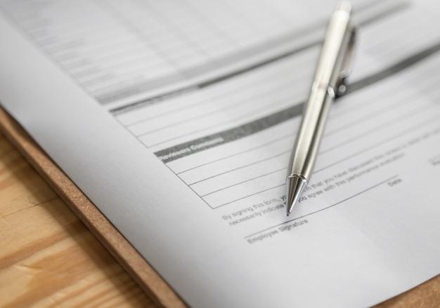Odstąpienie od umowy, zobowiązania i kontraktu