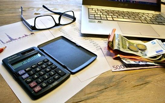 Umowa ubezpieczenia majątkowego i osobowego, a odszkodowanie i zadośćuczynienie