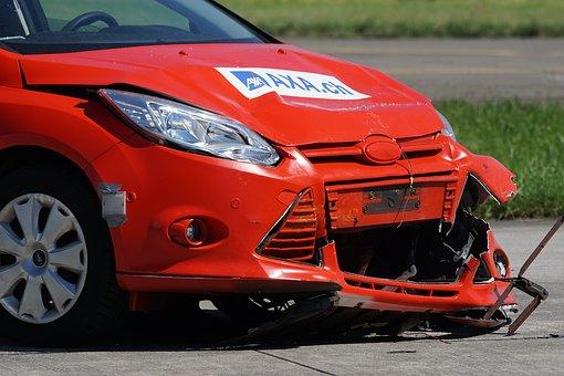 Odszkodowanie za wypadek samochodowy, autem, a ubezpieczenie OC i AC