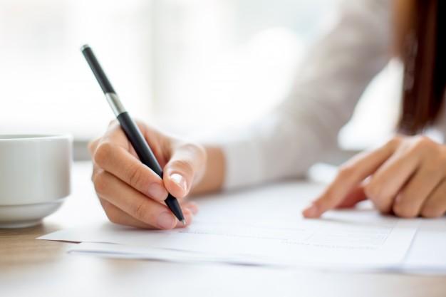 Podpis na akcie notarialnym czy umowie u notariusza