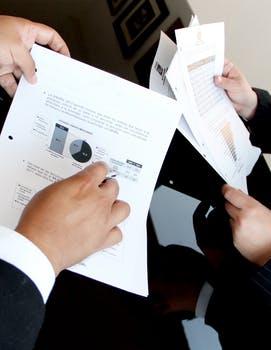 Umowa zlecenia: wynagrodzenie, obowiązki stron, wypowiedzenie i przedawnienie