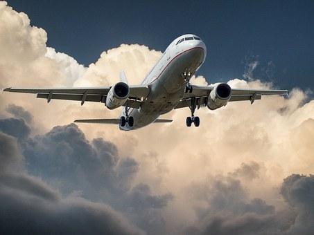 Odpowiedzialność i odszkodowanie od przewoźnika lotniczego za zniszczenie, zaginięcie lub uszkodzenie bagażu czy towaru