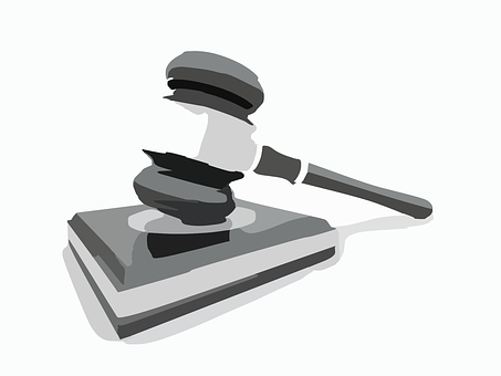 Sprzedaż zajętej ruchomości przez komornika: licytacja, przebicie, zapłata i skarga