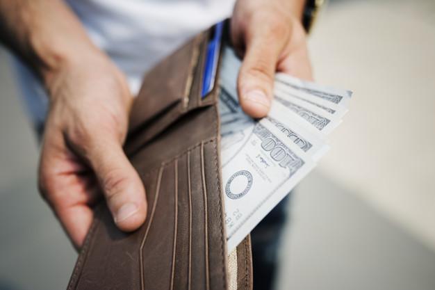 Umowa pożyczki czy kredytu pieniężnego