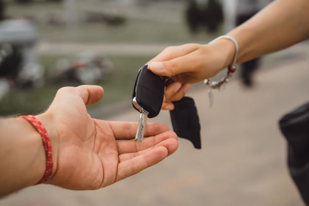 Odstąpienie i rozwiązanie umowy kupna sprzedaży samochodu z powodu awaryjności, usterek, uszkodzenia czy jego wad